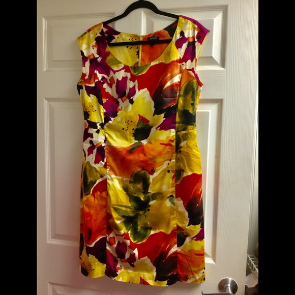 Apt. 9 Dresses & Skirts - APT 9 flower pattern sleeveless dress size 14
